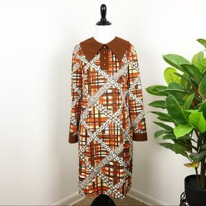 Vintage 1970's plaid and daisy printed dress